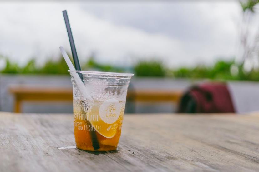 Reciclaje de los plásticos y microplásticos en los océanos
