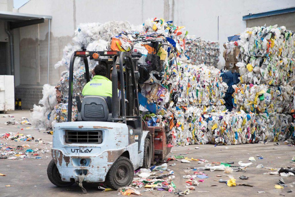 La basura compostada es el último paso en el funcionamiento de una planta de reciclaje
