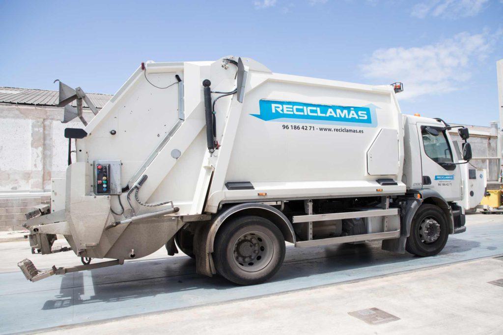 Una correcta separación de los residuos es fundamental para la posterior recogida y traslado a planta.